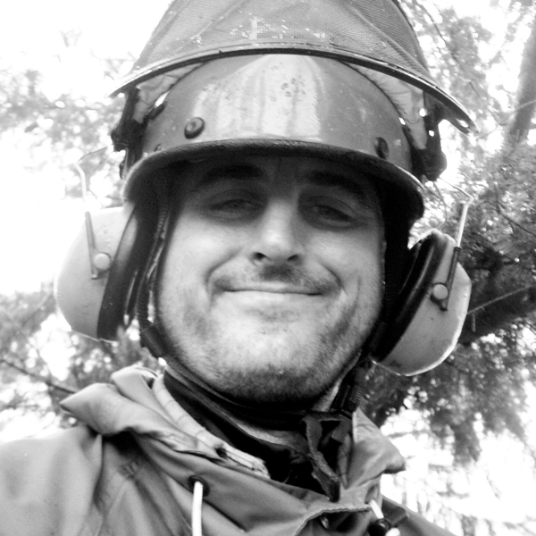 Ryan Neumann Headshot